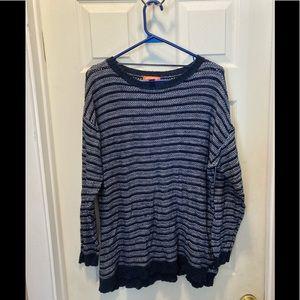 3/20 Joe fresh navy over sized sweater large